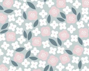Flowers, Floral Menagerie, 21192304, col 01, Camelot Fabrics, 100% Cotton
