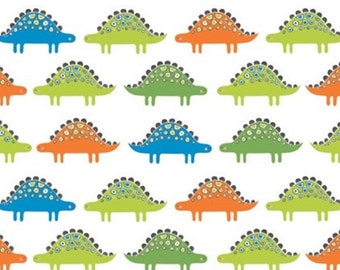 SALE, Stegosaurus, fond blanc, 21180402, Camelot Fabrics, 100% Cotton, (Reg 3.76-21.91)