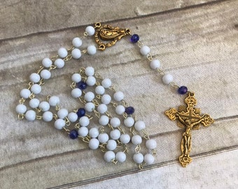 White and deep blue catholic rosary, gold tone rosary, glass rosary, baptism gift, confirmation gift, religious jewelry, catholic gift
