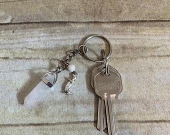 White quartz otter keychain, essential oil keychain, diffuser keychain, otter gift, otter accessories, animal keychain, aquatic keychain