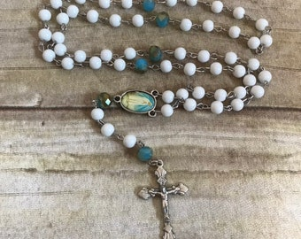 White and blue glass rosary, catholic rosary, handmade rosary, baptism gift, first communion gift, confirmation gift
