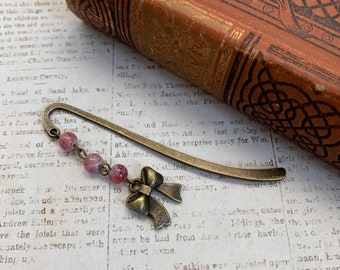 Pink and brass bow bookmark, kawaii bookmark, pastel goth bookmark, accessory bookmark, girly bookmark, vintage inspired bookmark