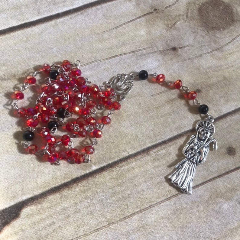 Red and black Santa Muerte rosary, Santisima Muerte rosary, la Huesuda  rosary, folk Catholicism rosary, Santa Muerte prayer beads