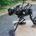 46 cm Scrap Metal Art Alien Crawling
