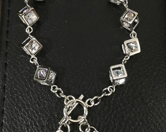 Magic square's bracelet