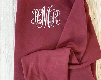 Save the Date Sweater/Save the Date Clothes/Bridal Sweater/Wedding Pullover/Bride pullover/Bachelorette Sweater/Engagement shirt/couple gift