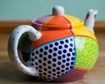 English Ceramic 4 cup Traditional Teapot Pour Over Hand Painted Teapot Ceramic Tea Lover Gift Custom Colours Unique Gift Tea Lover Gift