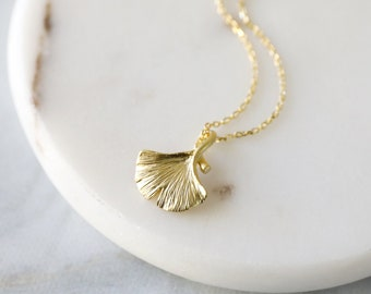 Minimalism Silver jewelry Handmade necklace Jewelry for her Gift for her Plant jewelry Ginko leaf pendant Silver ginko necklace