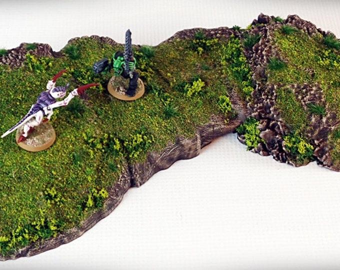 Wargame Terrain - Pedestal - Outcropping – Miniature Wargaming & RPG outcropping terrain - 17x7x2 inches