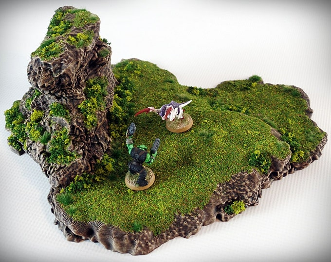 Wargame Terrain - Ramp Spiral - Outcropping – Miniature Wargaming & RPG outcropping terrain - 9.5x11x4 inches