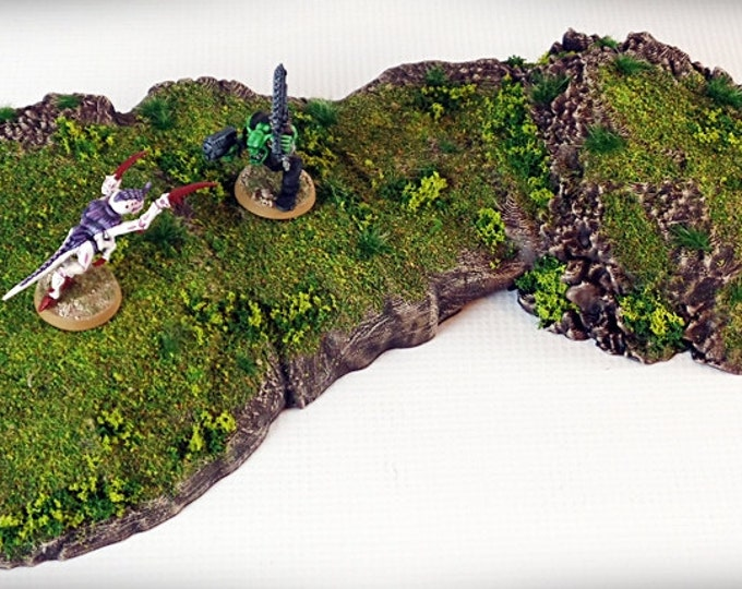 Wargame Terrain - Pedestal - Outcropping – Miniature Wargaming & RPG outcropping terrain - 15.5x6x1.5 inches