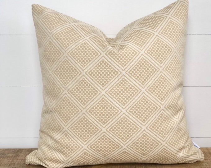Maize Modern wanderer tribal cushion cover