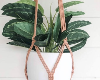Macrame Plant Hanger - Dusty Peach