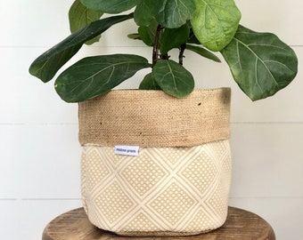 Maize Modern Wanderer Reversible Hessian Pot Plant Bag