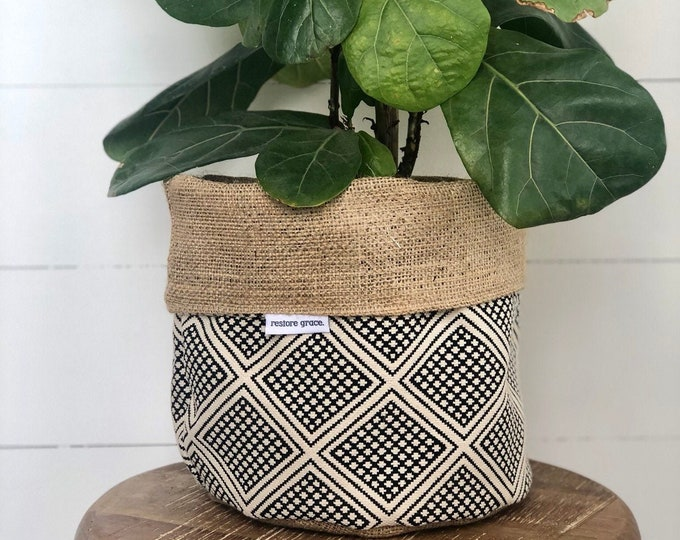 Pot Plant Cover - Modern Wanderer and Hessian Reversible