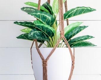 Macrame Plant Hanger - Mocha