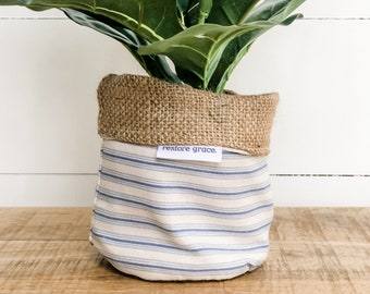 Mini Pot Plant Cover - Country Stripe Reversible Hessian