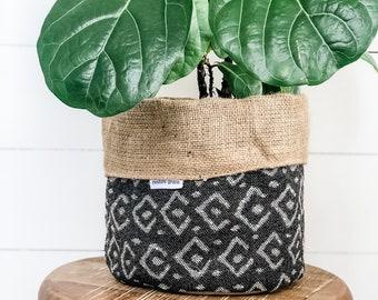 SALE - Pot Plant Cover - Onyx Remming Reversible Hessian