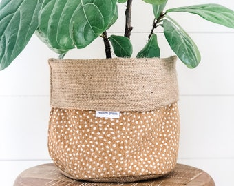 Pot Plant Cover - Fawn Spot Reversible Hessian