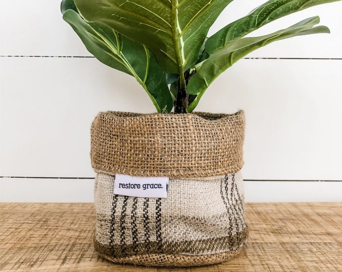 Mini Pot Plant Cover - Toast Plaid Reversible Hessian