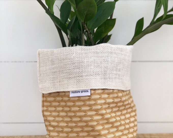 Arrow Reversible White Burlap Storage Basket