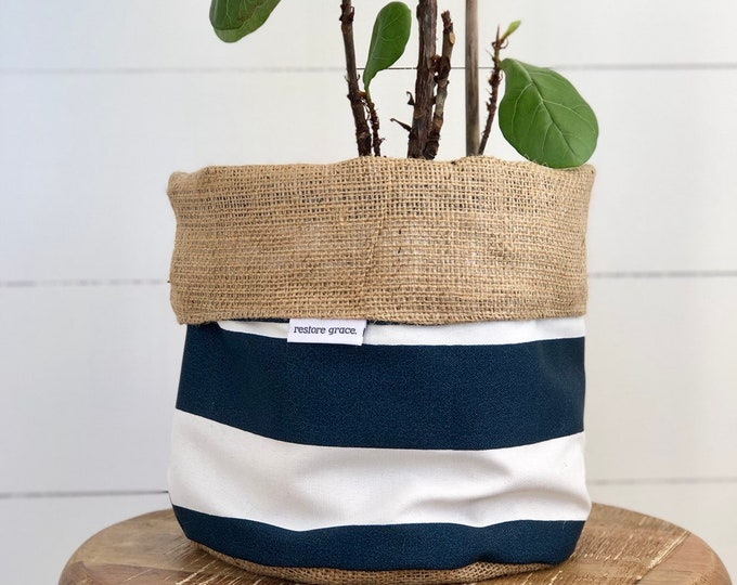 CLEARANCE** Nautical Stripe Reversible Hessian Pot Plant Cover