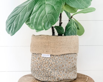 Pot Plant Cover - Crystal Leopard Reversible Hessian