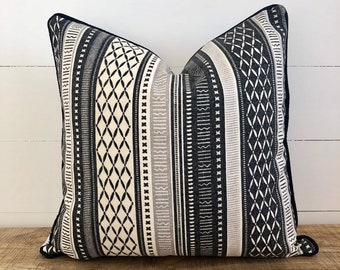 Long Weekend Tribal Indoor/Outdoor Cushion Cover with Black Piping