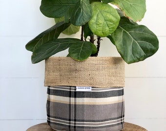 CLEARANCE - Peppercorn Plaid Reversible Hessian Pot Plant Bag