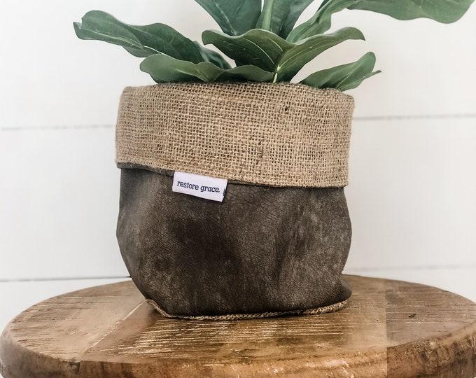 Pot Plant Cover - Faux Leather Hessian Reversible
