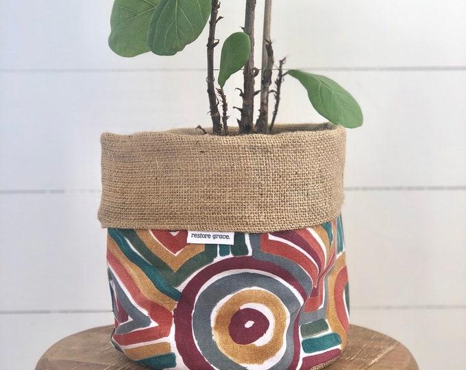 Cinnabar Reversible Hessian Plant Pot Cover