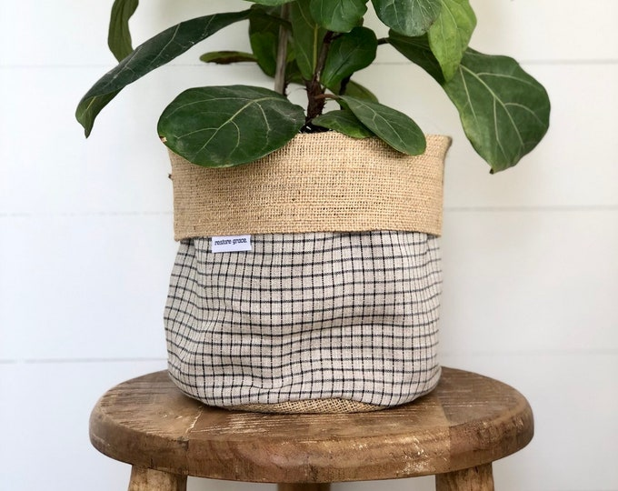 Linen Check Reversible Hessian Pot Plant Bag
