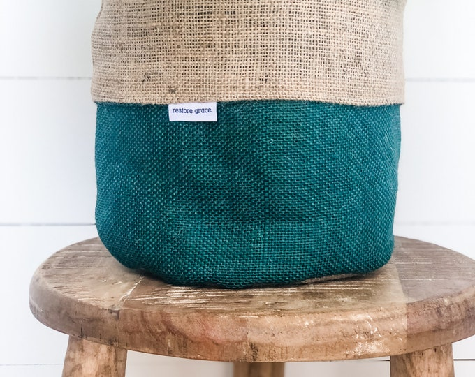 Pot Plant Cover - Pine and Natural Hessian Reversible