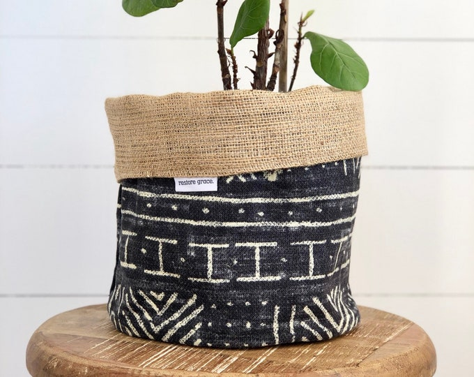 LIMITED EDITION Mali Reversible Hessian Pot Plant Cover