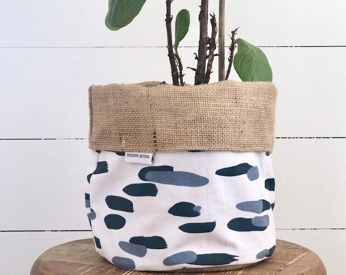 Blue Splash Reversible Hessian Pot Plant Bag