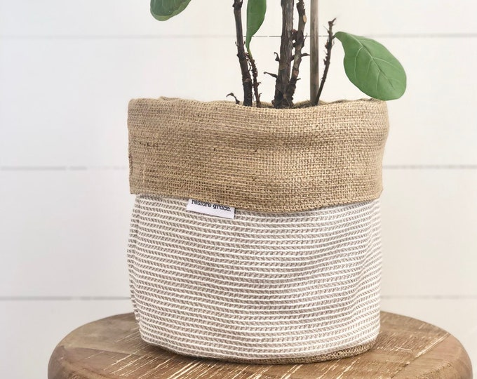 Basketweave Hessian Reversible Pot Plant Cover