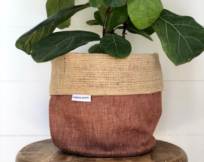 Russet Linen Reversible Hessian Pot Plant Bag