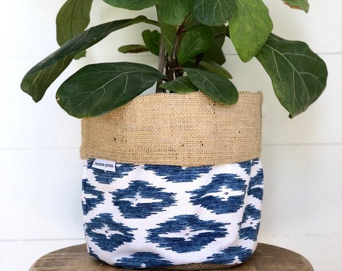 Summer Blues Reversible Hessian Pot Plant Bag