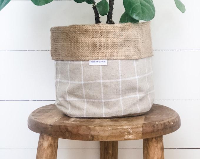 Pot Plant Cover - Natural Linen Check Hessian Reversible