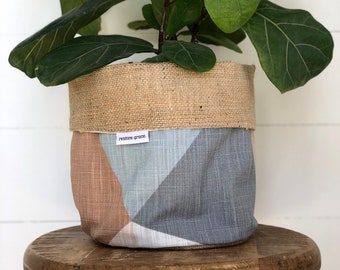 Sandstone Prism Reversible Hessian Pot Plant Bag