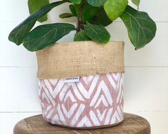Fearless Blush Hessian Reversible Pot Plant Cover