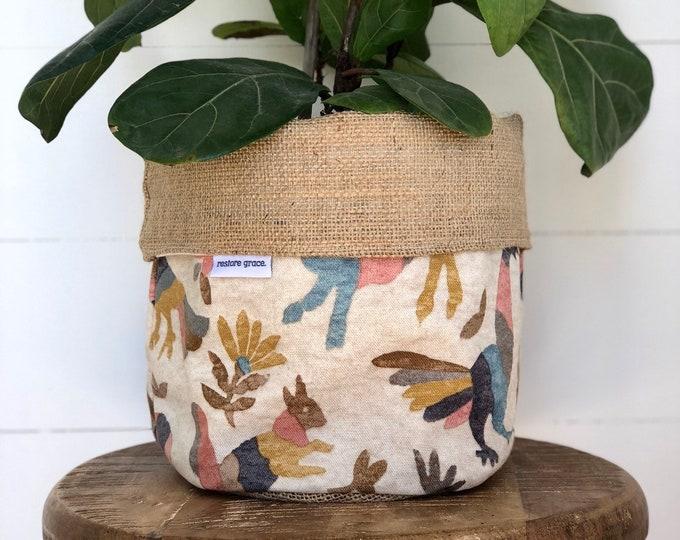 Marimba Hessian Reversible Pot Plant Cover
