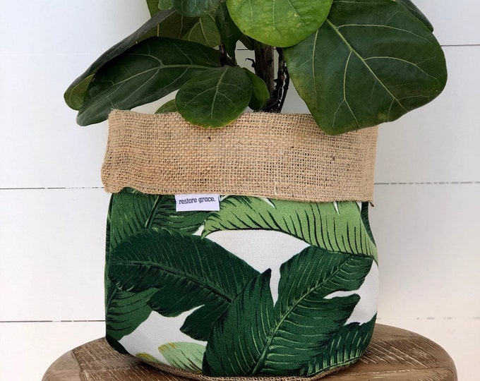 Green Swaying Palm Reversible Hessian Pot Plant Cover