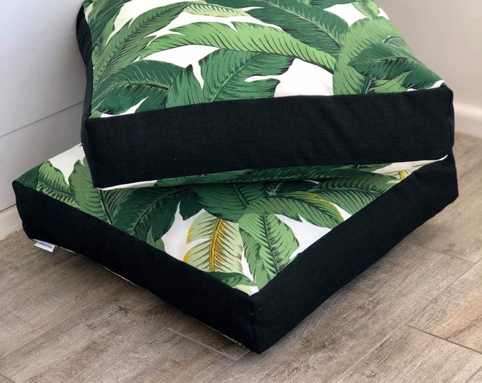 Swaying palms indoor/outdoor square floor cushion