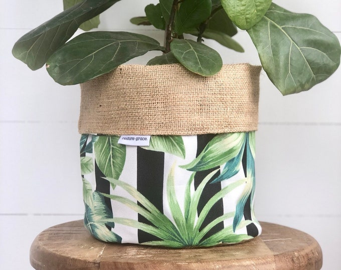CLEARANCE** Palmetto Stripe Jungle Style Reversible Hessian Pot Cover