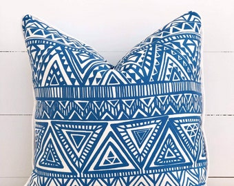 Blue Aztec Indoor/Outdoor Cushion Cover with White Piping