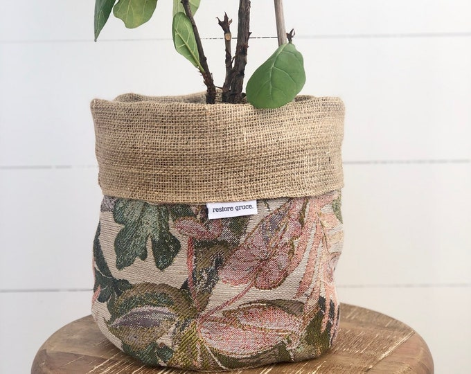 SECONDS - Jungle Paradise Hessian Reversible Pot Plant Cover