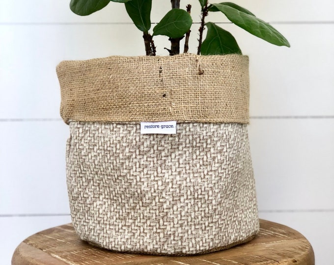 Pot Plant Cover - Island Seagrass Hessian Reversible