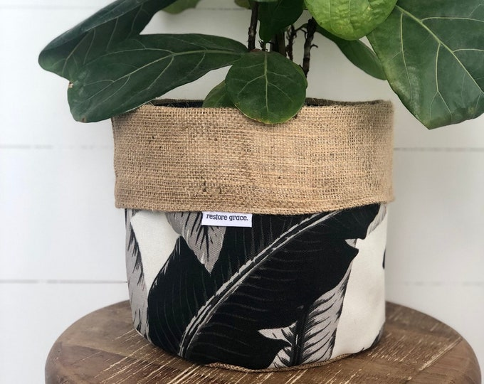 Swaying Palms Monochrome Reversible Hessian Planter Bag