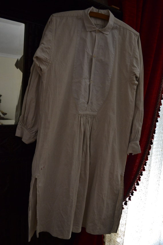 French linen nightgown T004, late 19th century, 10